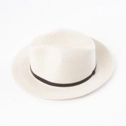 chapeau d'été écru