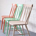 mobilier vintage : chaises scandinaves, chaises style bauman et tables style annees 50