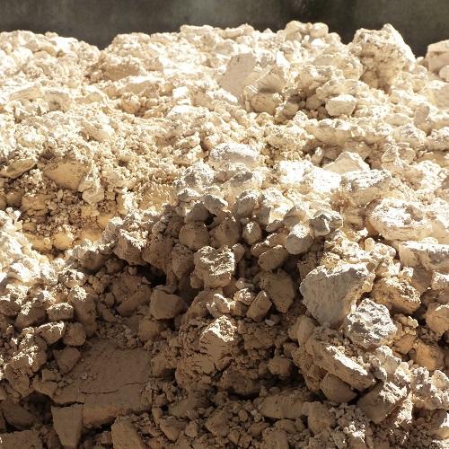 vaisselle en grès, kaolin entrant dans la composition du grès