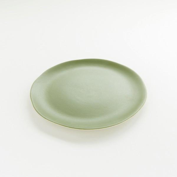 assiette en grès Jardin de Maguelonne taille S coloris pois gourmand de chez Jars Céramistes