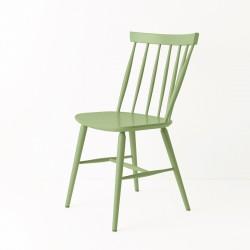 Chaise scandinave vert amande