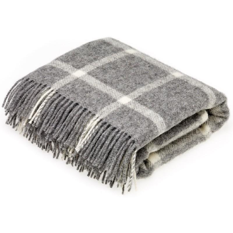Plaid 130x200 en laine naturelle fond gris à carreaux. Loading zoom 53972c23215