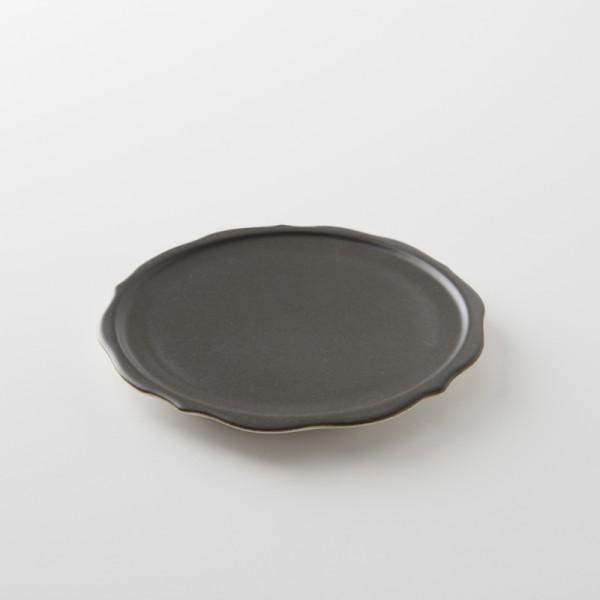 mini assiette sharing noir satiné de chez Jars Céramistes