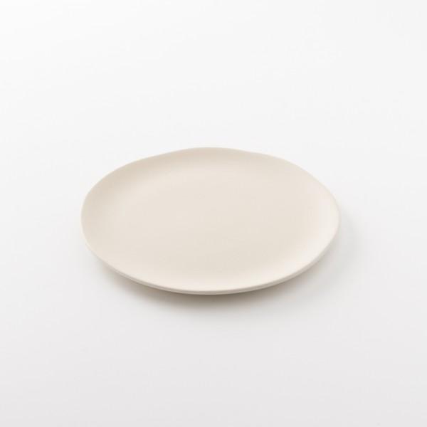 assiette en grès S coloris épeautre de chez Jars Céramistes