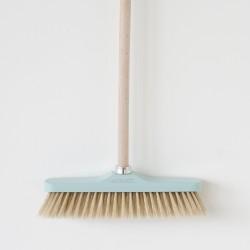 Balai droit 33cm bleu soies blanches Andrée Jardin