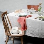 nappes en lin serviettes en lin et matières naturelles sur la table