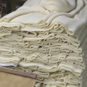 Couverture en pure laine vierge, écru sorti de machine