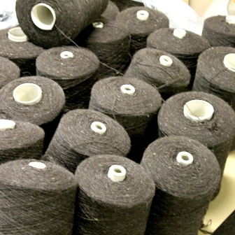Couverture en pure laine vierge, bobines de laine Burel^en provenance de la filature
