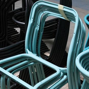 """Chaise d""""école sortie de la chaine de peinture"""