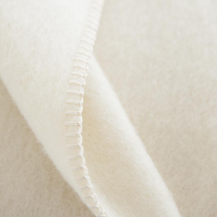 Couverture en pure laine coloris écru