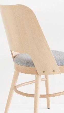 Chaise vintage en hêtre