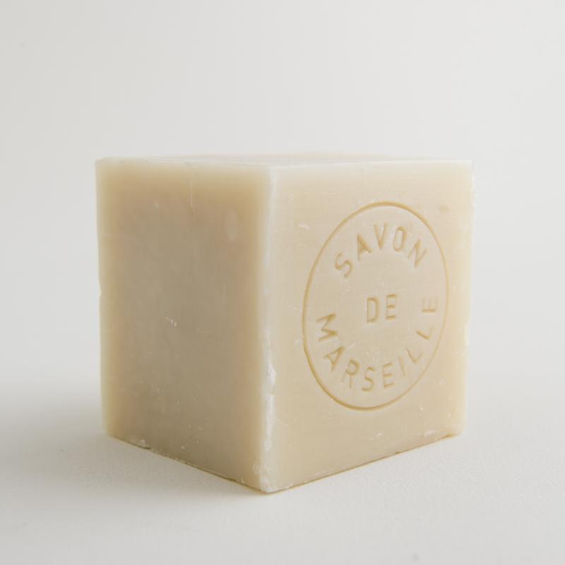 cube de savon de Marseille à l'huile de palme